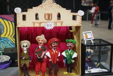 Comicon Marionettes